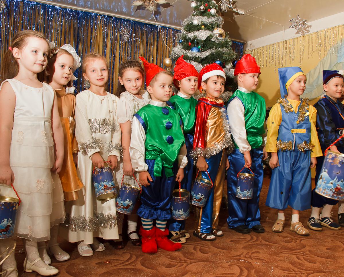 Сценарий на новый год в детском саду для детей 3 4 лет