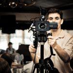 Видеооператор на съёмках мероприятия