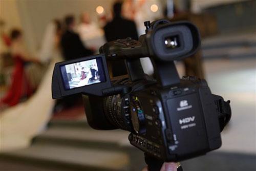 Как найти видеооператора на свадьбу важные моменты сколько стоят услуги